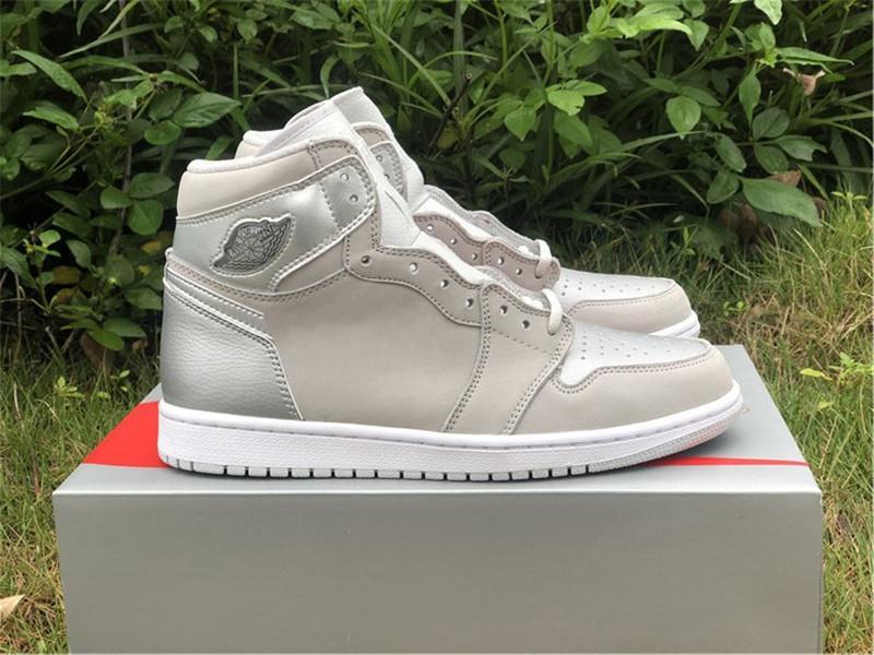 Hottest 2020 Authentic 1 High Olimpiadi Giappone 2001 2020 CO.JP uomo scarpe da basket Neutral Grey Bianco argento metallizzato sport con la scatola originale