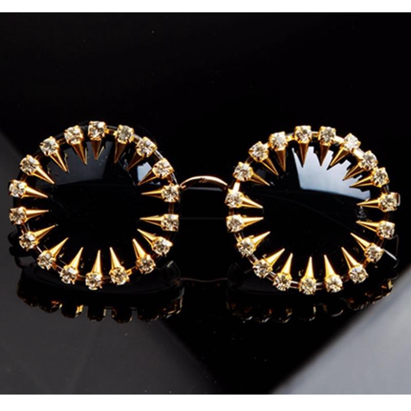 Retro runde Rahmen-Sonnenbrille weibliche europäische und amerikanische Art und Weise Diamant-Kugel handgemachte Strass Sonnenbrille Runde der grenzüberschreitenden Versorgung