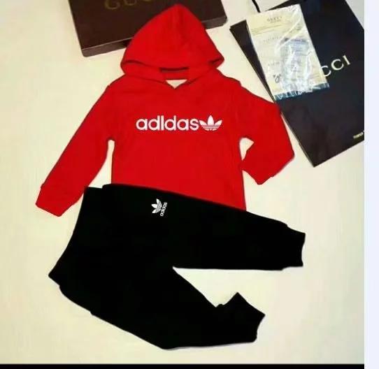 Classico logo di lusso designer t-shirt per bambini pantaloni cappotto jacekt maglione con cappuccio olde vestito per bambini moda per bambini 2 pezzi set di abbigliamento in cotone ty4