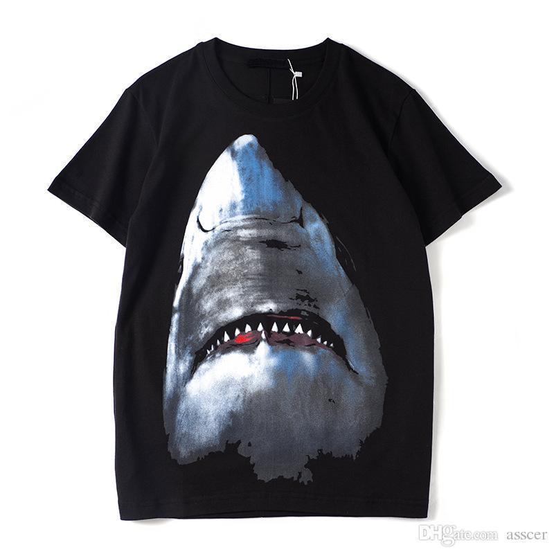 Luxo Mens Designer T Shirt Designer Casual manga curta Moda Impressão tubarão de alta qualidade Homens Mulheres Hip Hop Tees