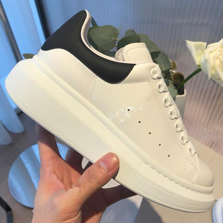 Luxury Mens Womens Designer Platform Sneaker White Genuine Leather Trainers Comfort Pretty Girl Wholesale Style Casual Shoes
