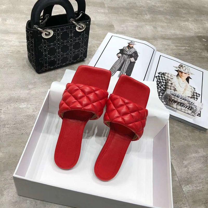 Nuevo Diseño 2020 zapatos planos de las mujeres del verano Rombos decoración exterior de la playa del deslizador del cuero de zapatos sandalias Femmes púrpura Zapatos
