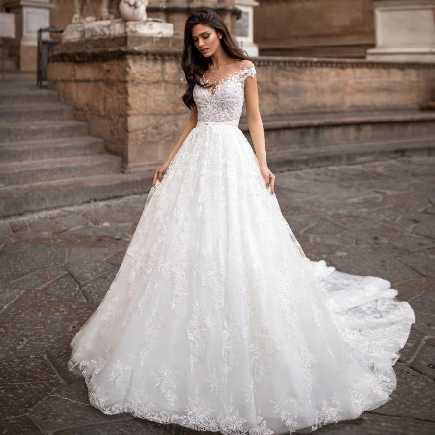 New Arrival Design White Wedding Dress 2020 O-Neck Short Sleeves A-Line Chapel Train Appliques Lace Tulle ridal Gowns Vestido de noiva longo