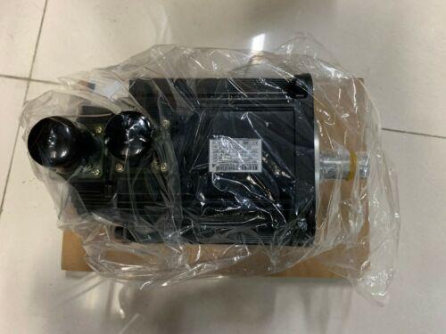 Yaskawa SGMGH-13DCA6F-OY AC SERVO MOTOR 1.3KW 1500RPM 8.34NM NEW