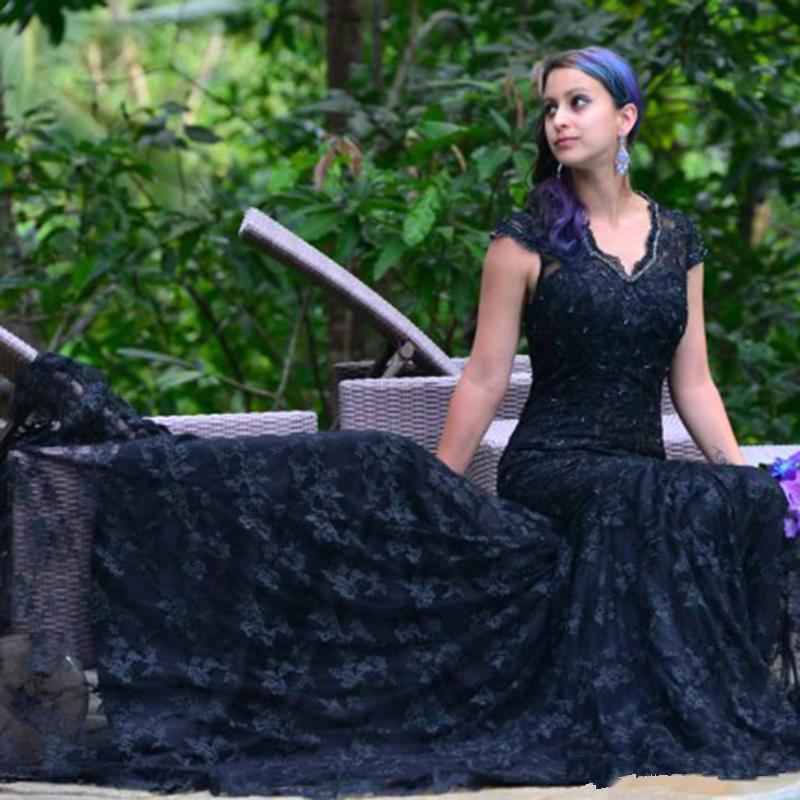 Yeni varış Siyah Gotik Mermaid Gelinlik 2019 Dantel vintage mahkemesi uzun tren V boyun Custom Made Gelin Gelin Gelinlik