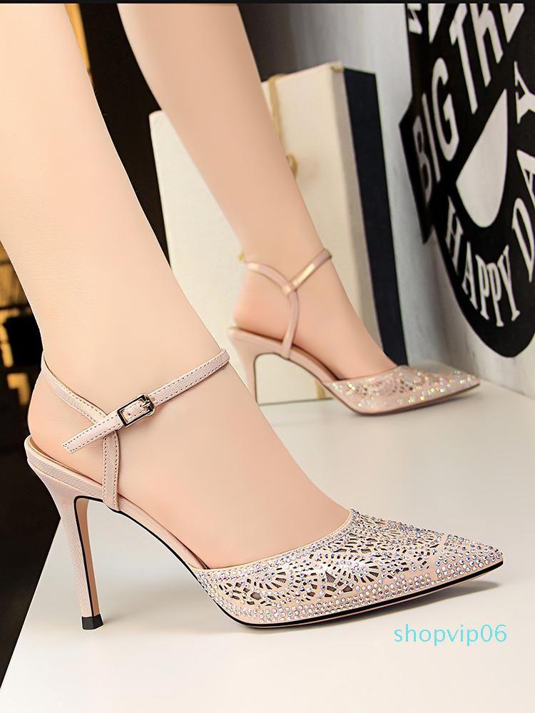 Hot2019 sandali Baotou banchetti ragazze Air One Buckle portare scarpe di alta tacco strass Sharp fine con le donne