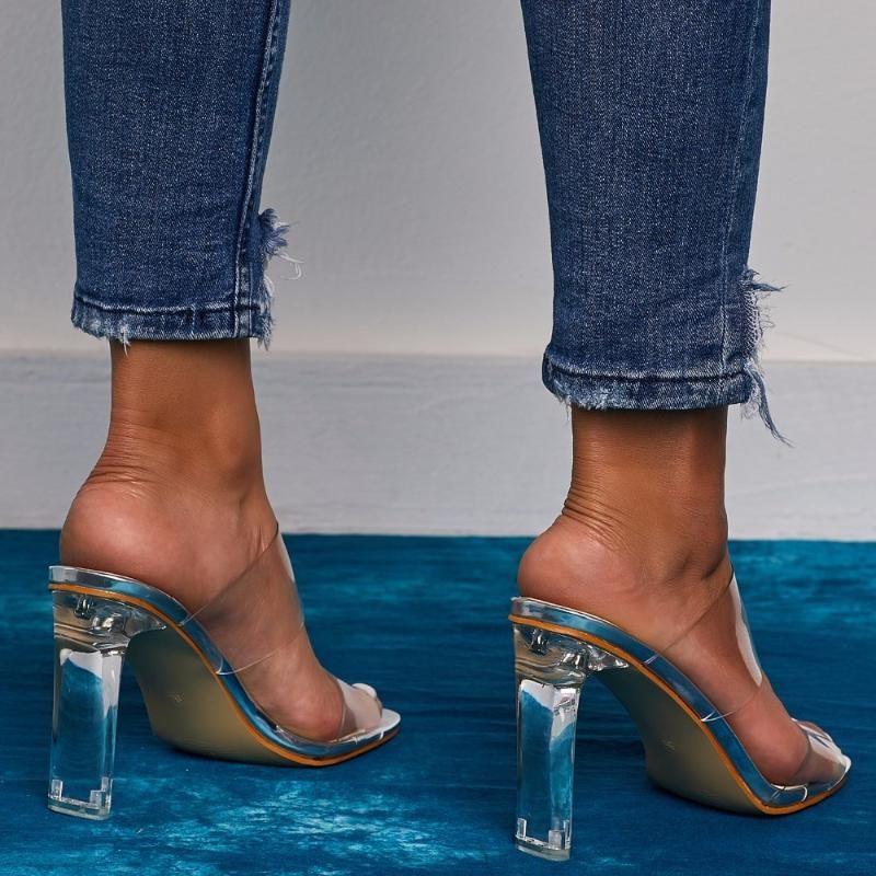 2020 Neue PVC-Gelee Schuhe Slides Kristall öffnen Toed Sexy dünne Fersen Kristall Damen Transparent Heel Hausschuhe Pumps 41 42