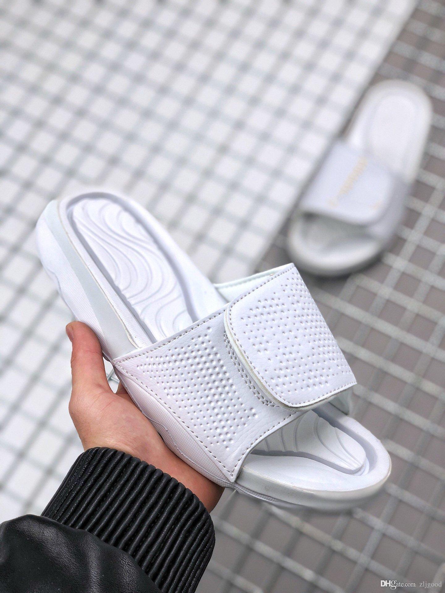 Été 2020 nouveaux hommes de créateurs de luxe et des femmes pantoufles occasionnels amortissant taille résistant à l'usure antidérapante fond épais mode: 36-47