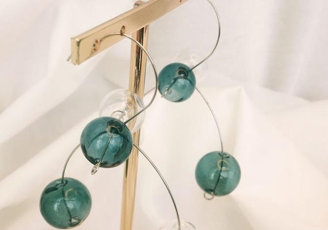 Orijinal Tasarım Üflemeli Cam Topu Dangle Küpe Kadınlar Için Benzersiz Artsy Yeşil Kabarcık Bırak Küpe Kore Asılı Küpe 2019