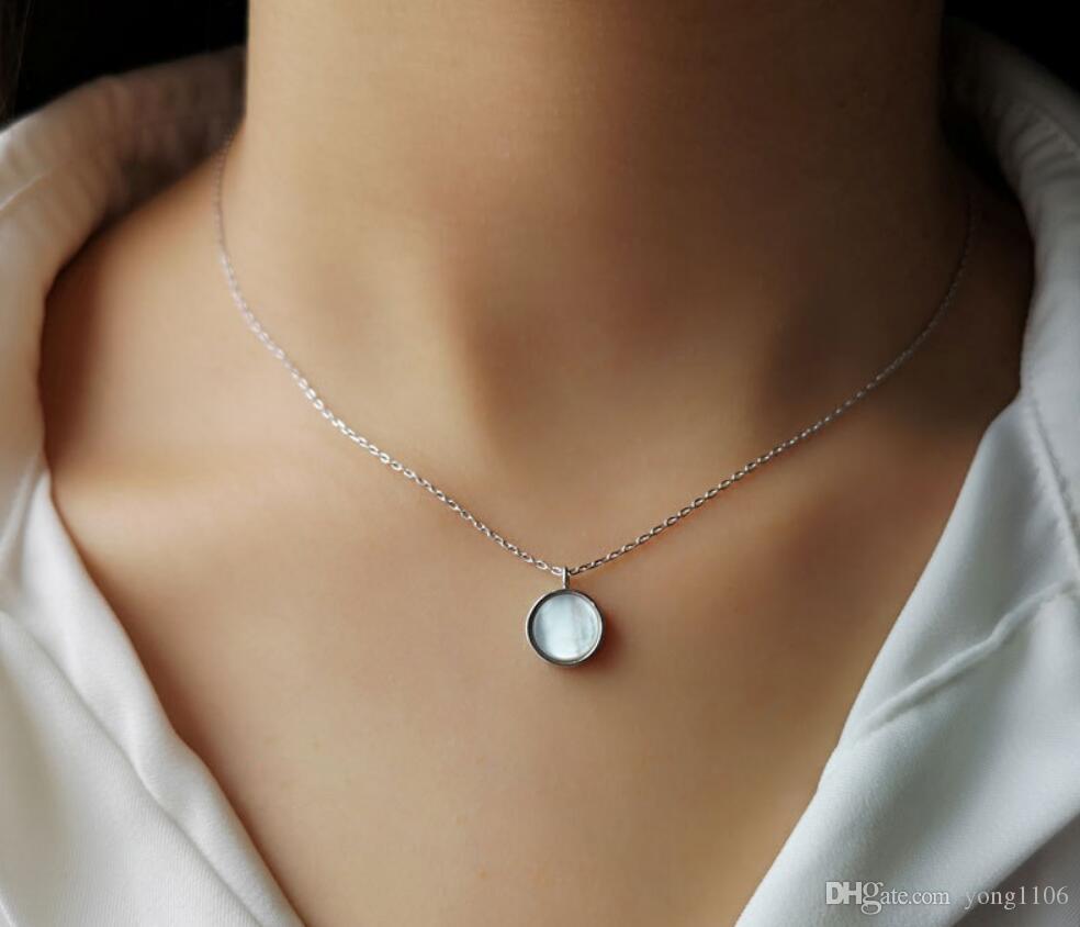 Diseñador de moda europeo y americano cadena de clavícula moda señora simple de gama alta S925 plata collar de concha redonda colgante accesorios