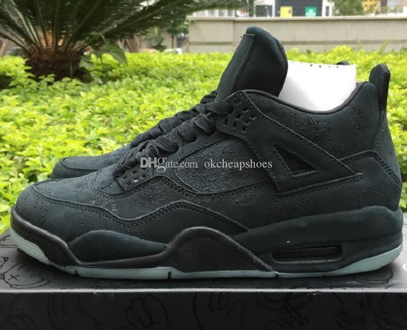 Con zapatos de baloncesto diseñador-Okcheapshoes Box Compra Kaws para hombre Negro 4 barato nueva costumbre IV Colaboración manera se divierte las zapatillas de deporte Ven