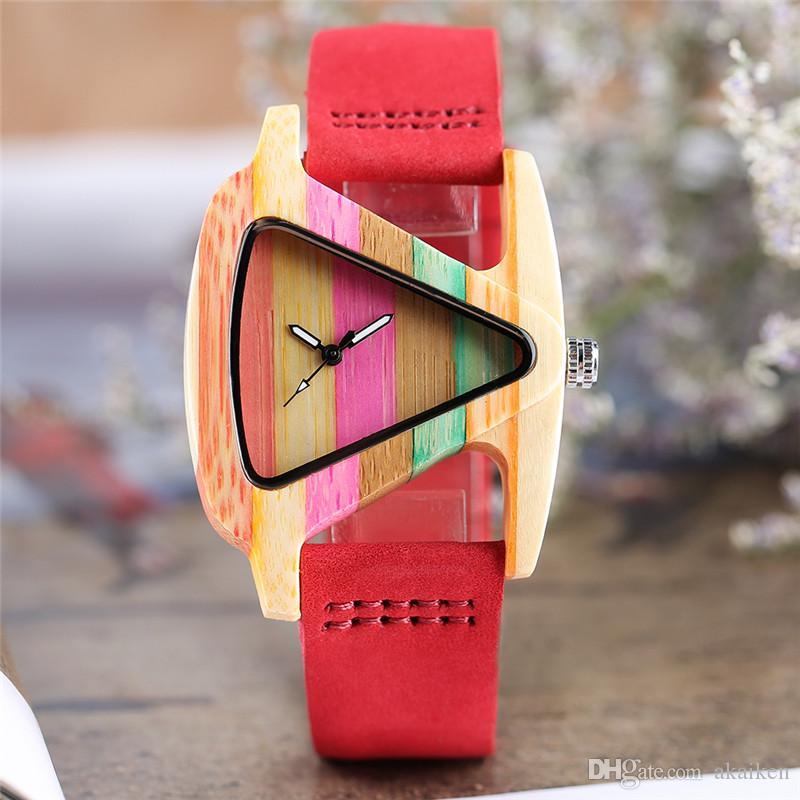 Unico di legno variopinto di figura della vigilanza creativa Triangolo Dial Bracciale ora d'orologio delle donne orologi al quarzo di bambù Pelle Reloj Mujer