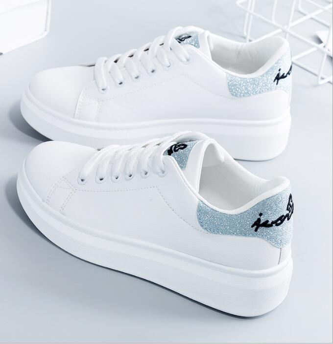 De nouveaux best-seller printemps petites chaussures blanches chaussures d'été maille femmes chaussures blanches usine de loisirs vente directe