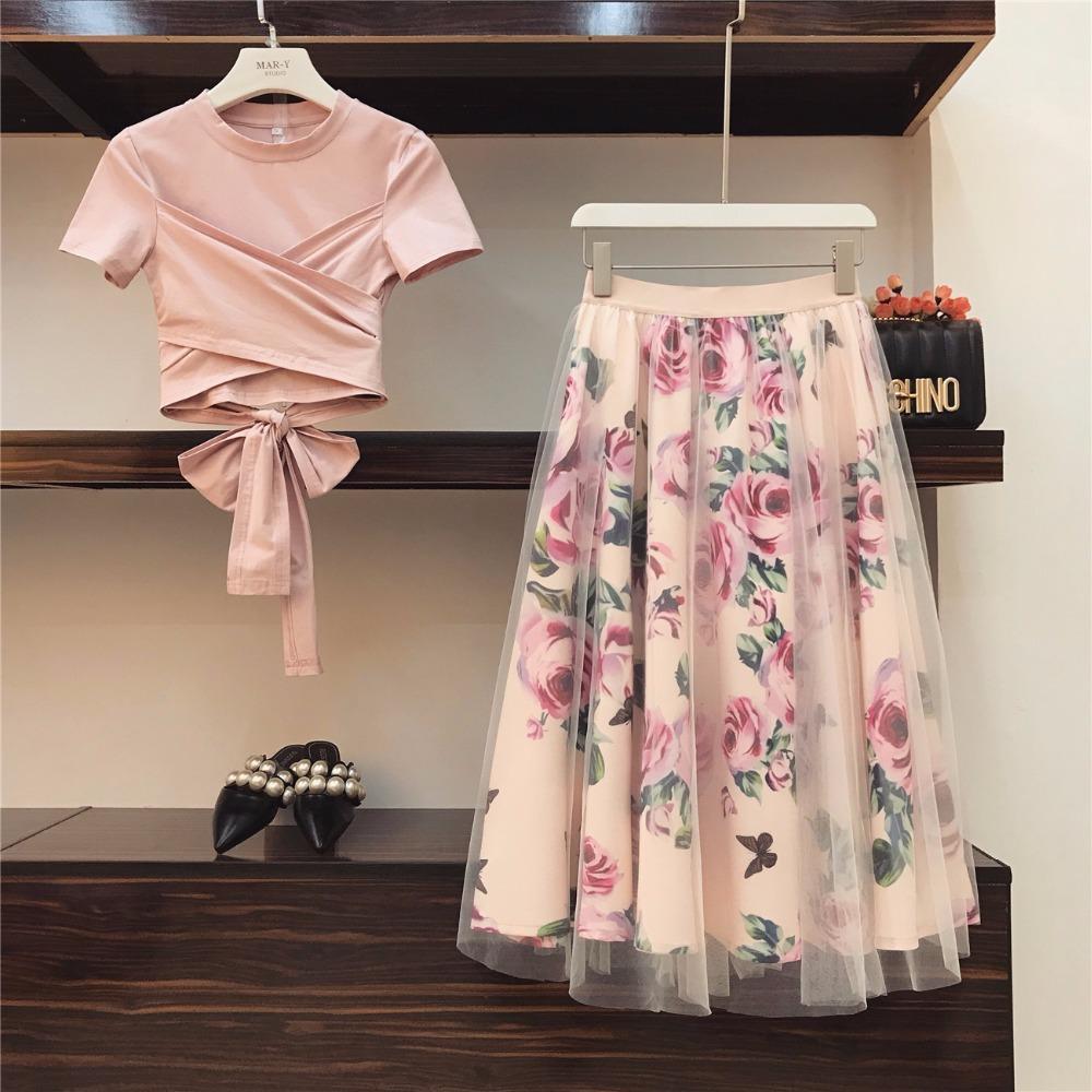 고체상의 Bowknot HIGH QUALITY 여성 불규칙한 T 셔츠는 + 메쉬 스커트 정장 빈티지 꽃 스커트는 우아한 여성 두 조각 세트를 설정