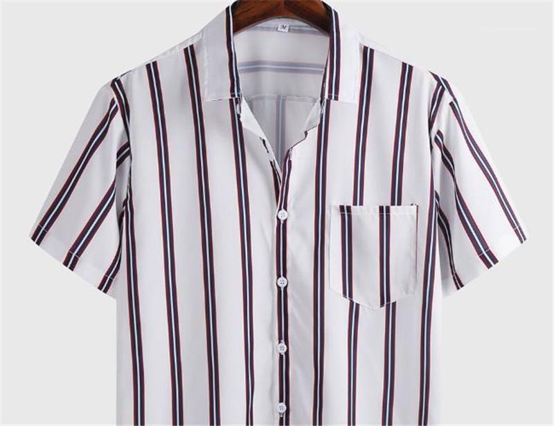 Estilo Mens Vestuário Mens Verão Listrado Impresso Camisas Casual Turndown Collar bolso Único Breasted Mens Shirts Negócios