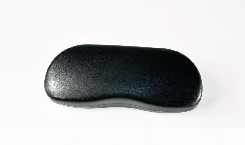 Classique Sunglass Noir dur Housse Etui pour vos lunettes de soleil très Prisé Nouveau avec un chiffon de nettoyage