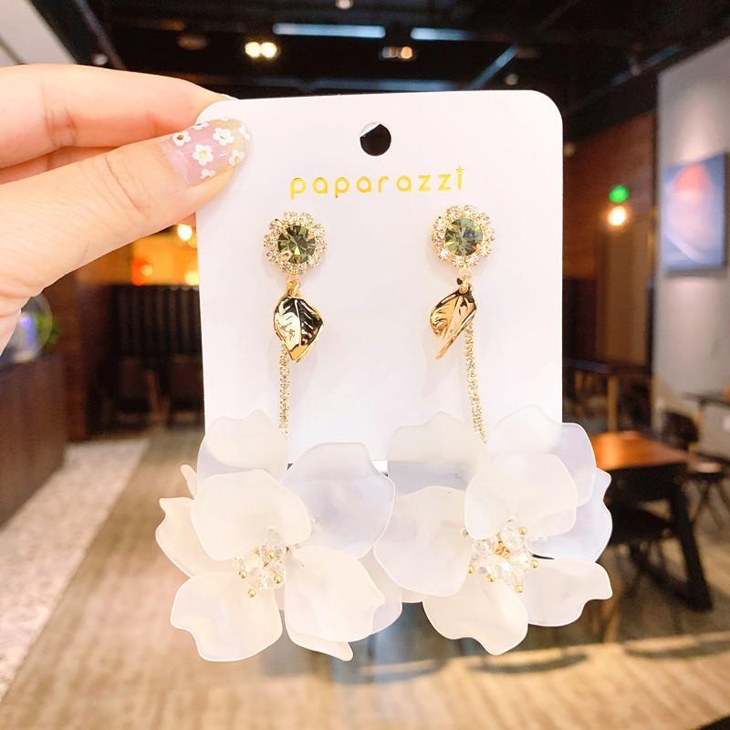 Corea joyería de moda caliente exagerada grandes pendientes de flores blancas largas vacaciones pendientes de los estados partes tejidas a mano para las mujeres