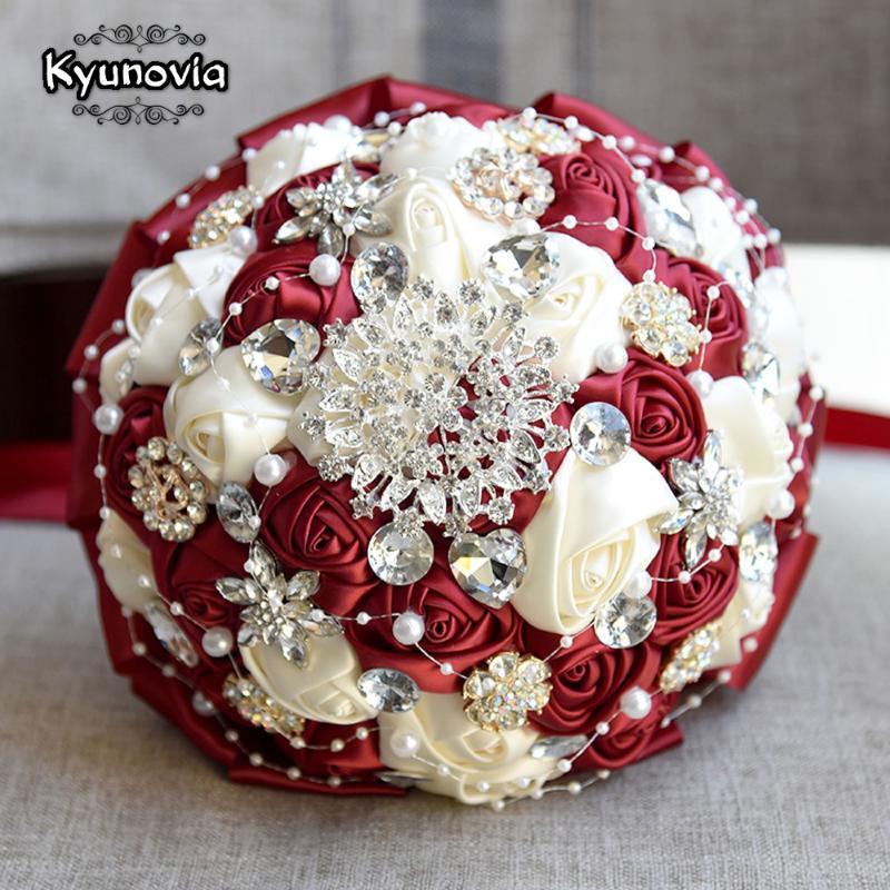 Noiva do marfim Kyunovia Burgundy Broche Bouquet Bouquets De Mariage Artificial de cristal de casamento Flores Buque de Noiva 4 cores FE86
