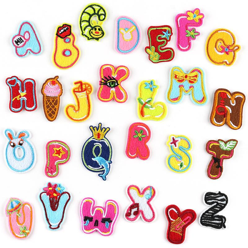20200816 26 lettere inglesi personalizzati cerotto adesivo, accessori di abbigliamento animale del fumetto decorativo adesivi
