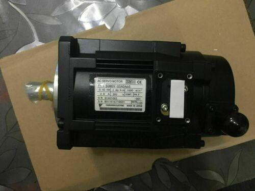 1PC NEW IN BOX Yaskawa servo Motor SGMGV-05ADA6S one year warranty