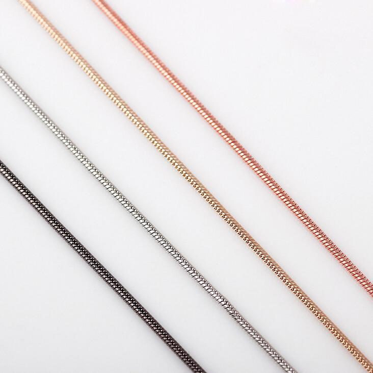 Moda de alta calidad populares de oro rosa de plata cadenas medallón collar de oro flotantes de aleación de zinc accesorios de cadena de la serpiente