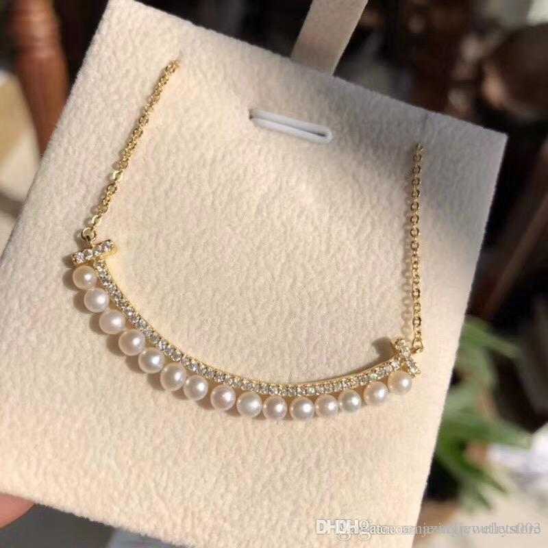 2018 New design top quality brass material smile shape with diamonds and pearl pendant necklace for women jewelery gift free shipping PS61