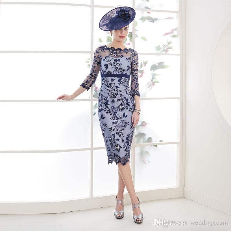 Erstaunliche Navy Lace Mutter der Brautkleider Sheer Bateau Hals Knielange Abendkleider Lange Ärmel Plus Größe Mantel Hochzeit Gastkleid