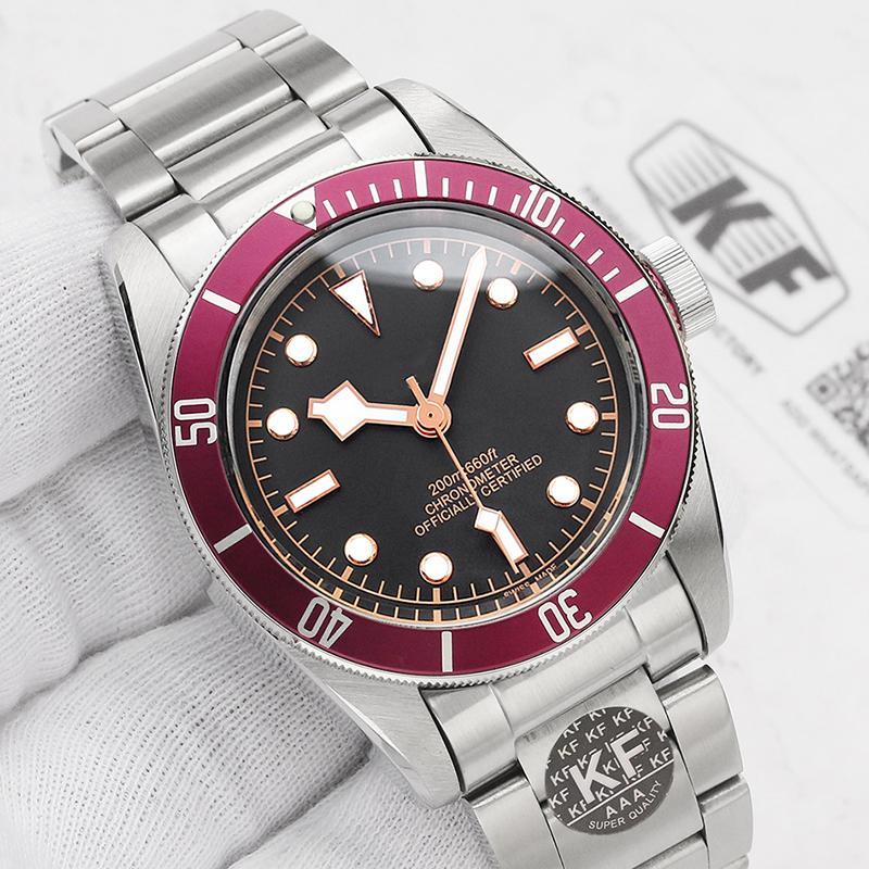 Bande de cuir de luxe Mens Designer vintage Mouvement automatique en acier inoxydable mécanique rouge Black Watch Montres-bracelets solide fermoir