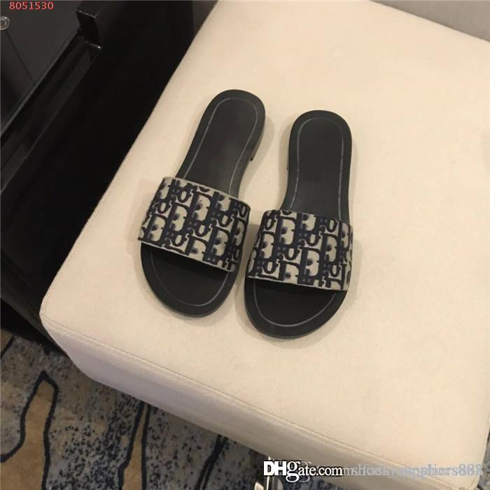 2020 Las últimas zapatillas de piscina del verano del resorte de las mujeres zapatillas de playa, zapatillas de cuero clásico de la moda de las mujeres Carta de las sandalias con el empaquetado completa