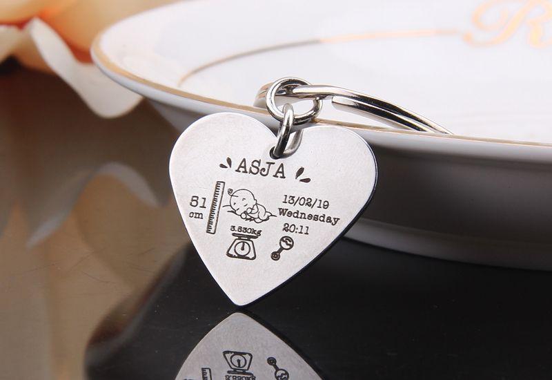 cadeia de moda chave, as estatísticas do nascimento do bebê, keychain coração nascimento, presente para o pai novo, etiqueta de jóias chave do bebê