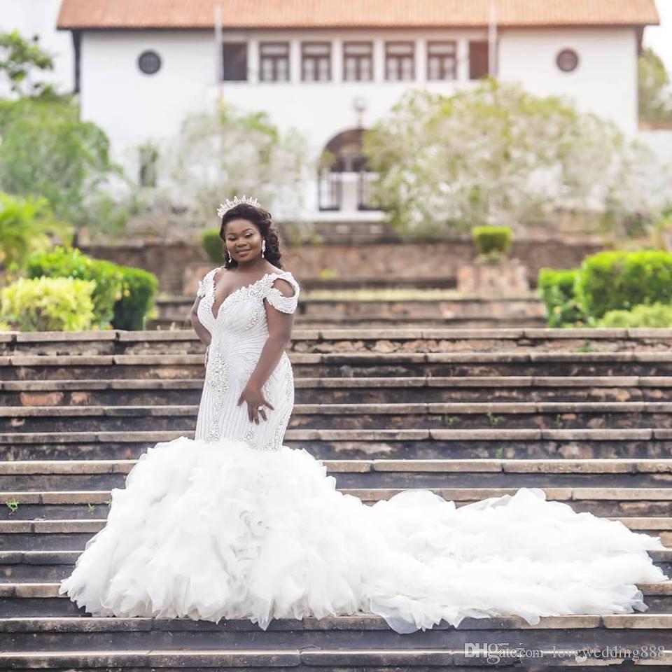 Babados em cascata de Tule Sereia Vestidos De Noiva 2020 Luxo Frisada Strass Sexy V Neck Nupcial Do Casamento Vestidos Vestido de Trompete
