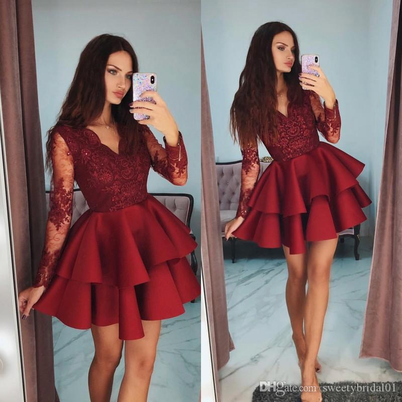 Fashion Short Prom Dresses Red V-Neck Homecoming Dresses Stylish Tiered Long Sleeve Beaded Lace Applique Evening Party Dresses
