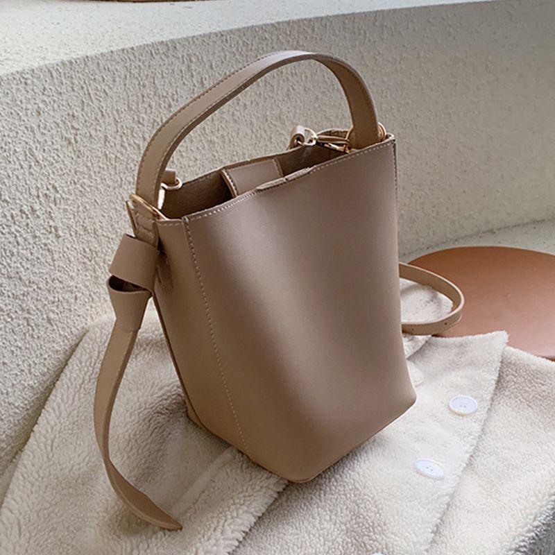 Cor sólida Balde sacos para as mulheres simples couro PU Mulheres Bolsas de Ombro Bandoleira de grande capacidade bolsa Ladies Messenger Bag