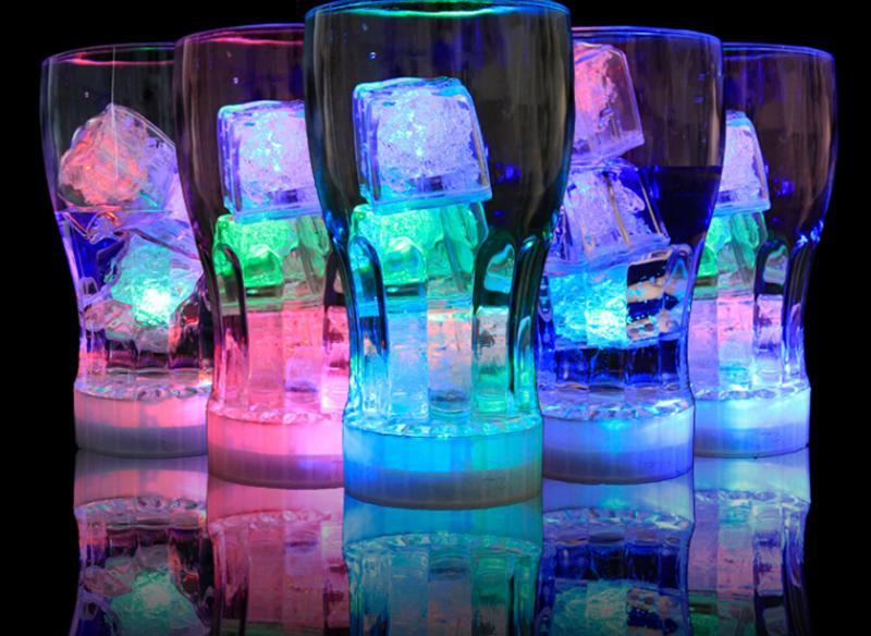 Alta calidad de destello del cubo de hielo de agua-Actived flash LED Light Put beber de un agua flash automáticamente para la fiesta de la boda de Navidad 111 Bares