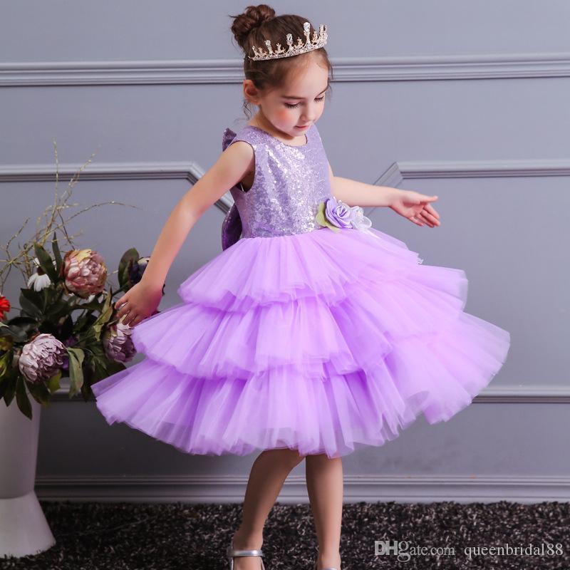 Abiti da bambina a fiori corti in tulle viola chiaro 2019 Sparkly paillettes Girocollo Principessa Festa di matrimonio Toddler Pageant Gowns