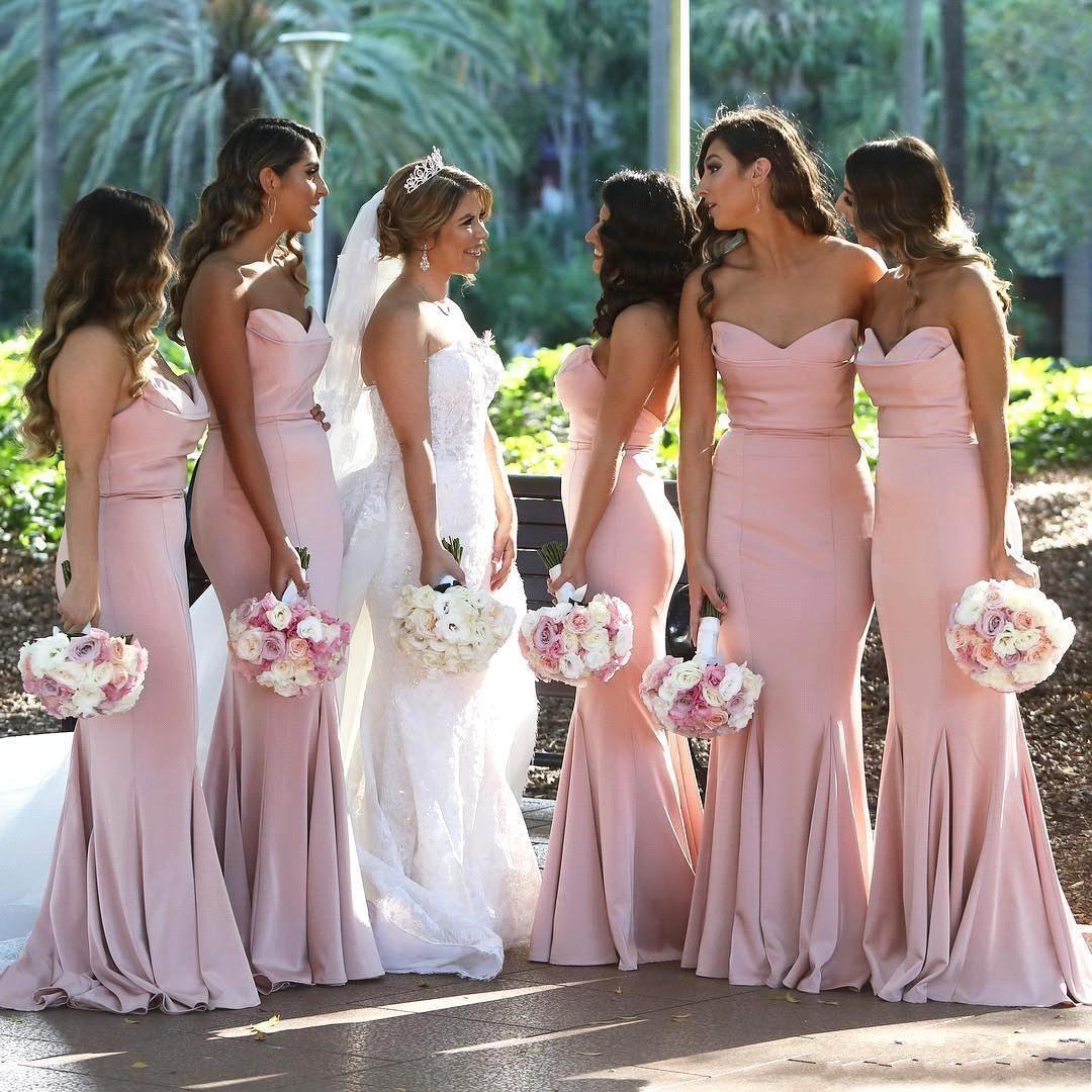 Blush Pink Sweetheart Satin Mermaid Long Bridesmaid Dresses Ruched Golvlängd Bröllop Gäst Lång Maid of Honor Dresses BM0732