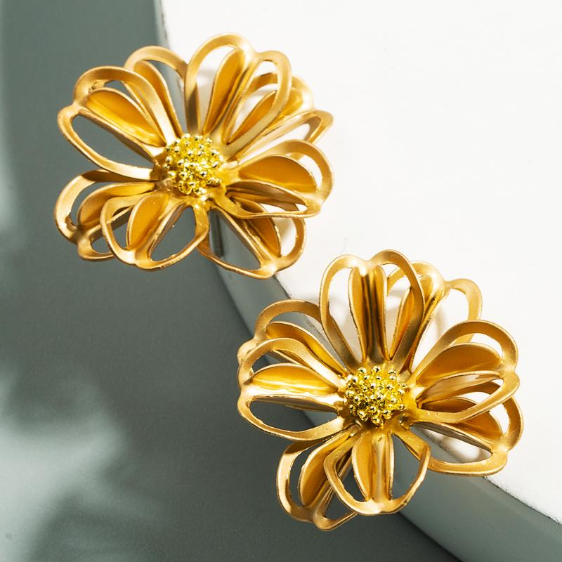Coréenne de couleur d'or élégantes boucles Déclaration de fleur pour femme Charm creux Tournesol Boucles d'oreilles Girl Party Délicat Brincos