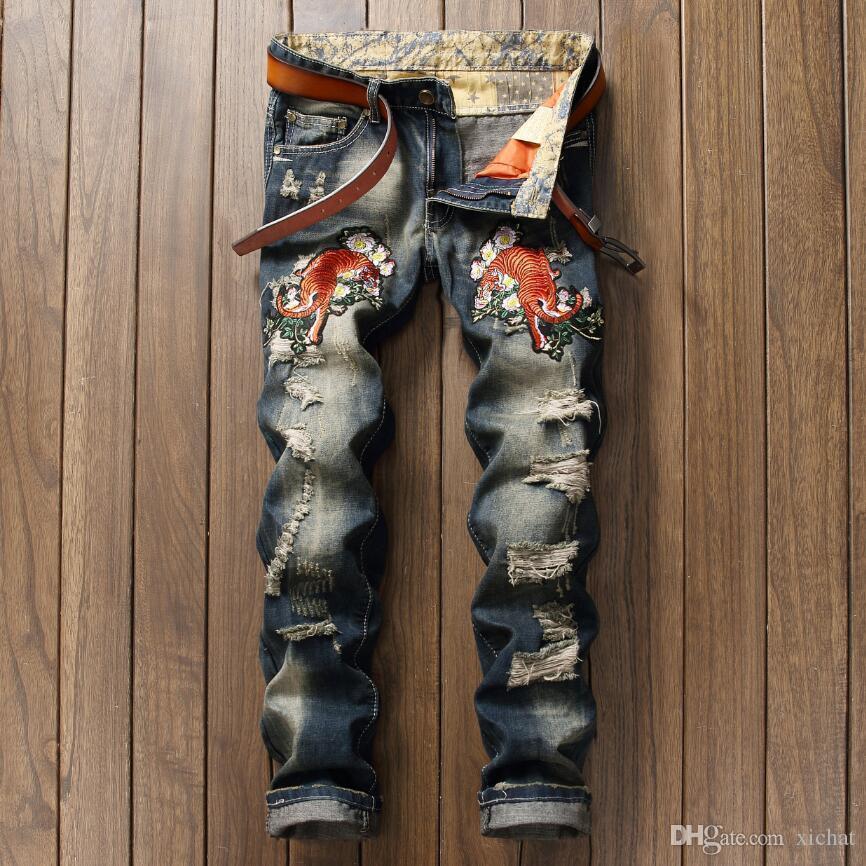 corée le style des jeans de grande taille nouveau jeans de luxe de broderie tigre hommes denim pantalon blanc jeans jambe streight occasionnels taille de la livraison gratuite 28-38
