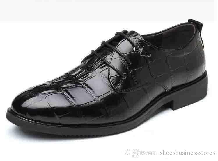 2019 Nova Primavera Outono Homens Se Vestem Sapatos de Negócios Sapatos Masculinos de Couro Cor Sólida Homens Sapatos de Trabalho Deslizamento-no Dedo Do Pé Redondo