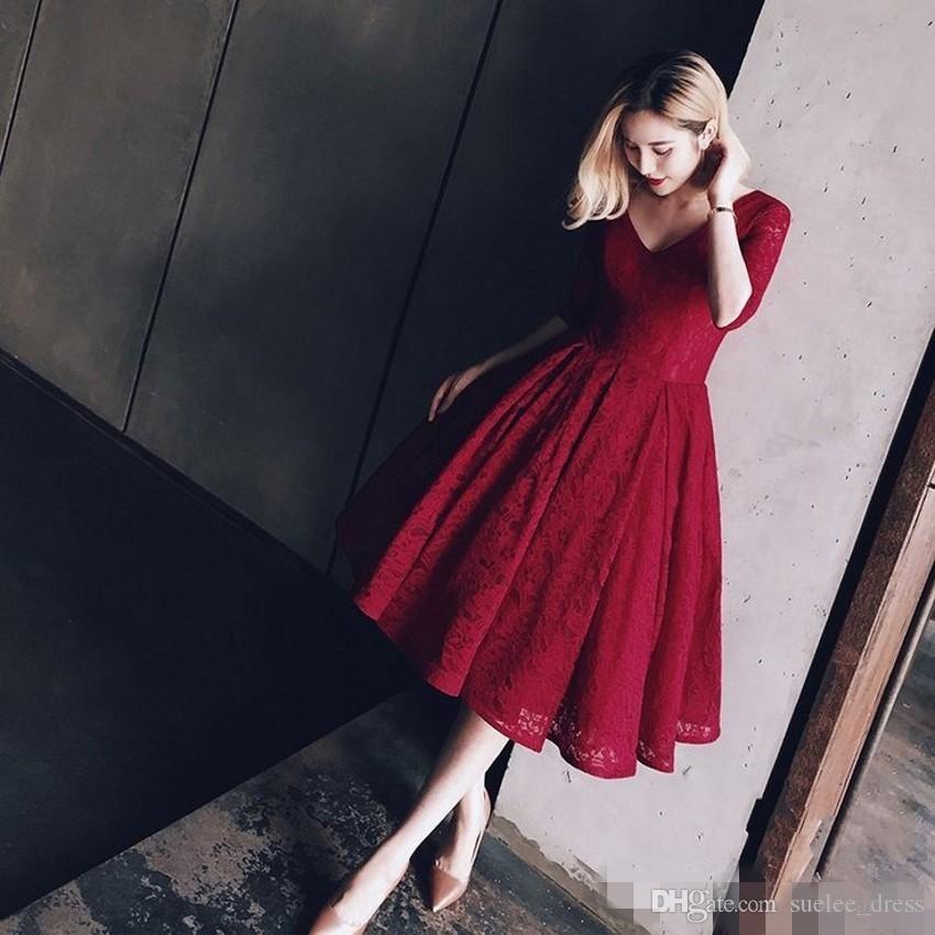 2020 escuro Vintage Red Lace Prom Dresses V Neck A Linha 1/2 mangas Plus Size ocasião Formal Wear Duração Chá Evening Partido vestido