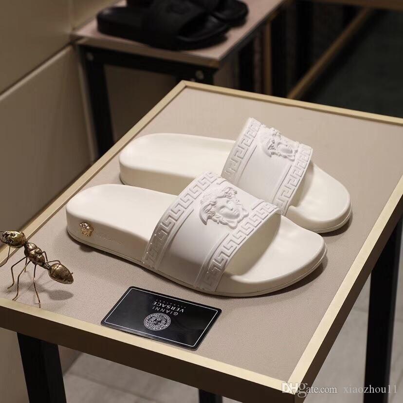 El último popular diseñador 2020 diseña las zapatillas y sandalias de moda la mayoría de hombres y mujeres,