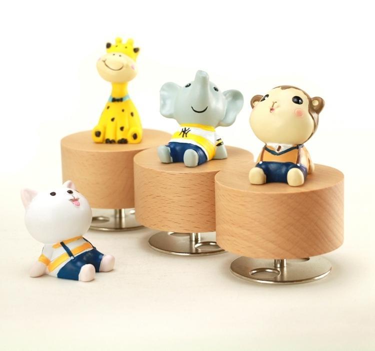 Home Decor dos desenhos animados Rodar bonito mini Animais de madeira Clockwork caixas de música criativa única Artware de presente de madeira Music Box SH190918