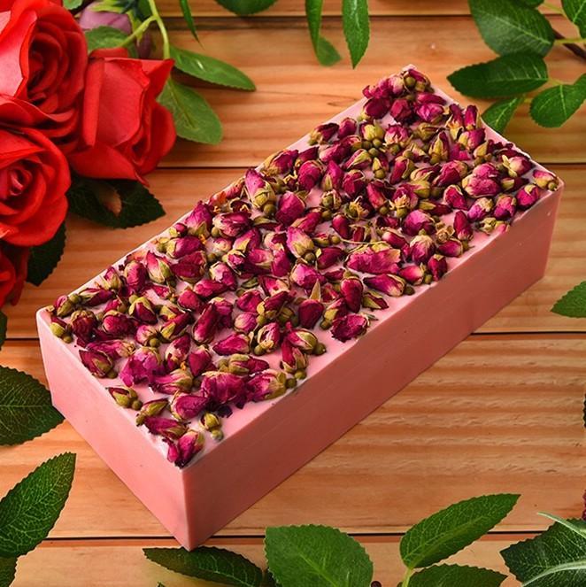 Nuevo aceite de rosa pétalo de jabón hecho a mano limpia suavemente para mejorar la falta de brillo, cara hidratar, aceite de control y el hidrato