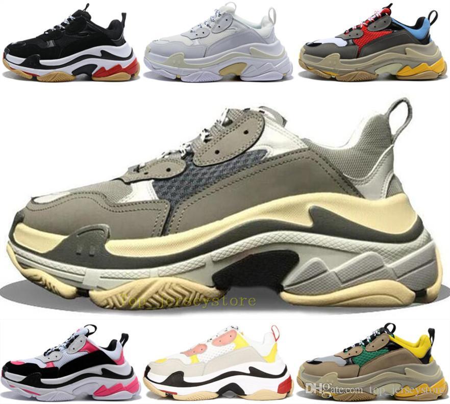 Com caixa de forma clara Sole inferior Paris 17FW Triple S Mens Designer Sneakers Plataforma Mulheres Dad Vintage Luxo calçados casuais Esportes Formadores
