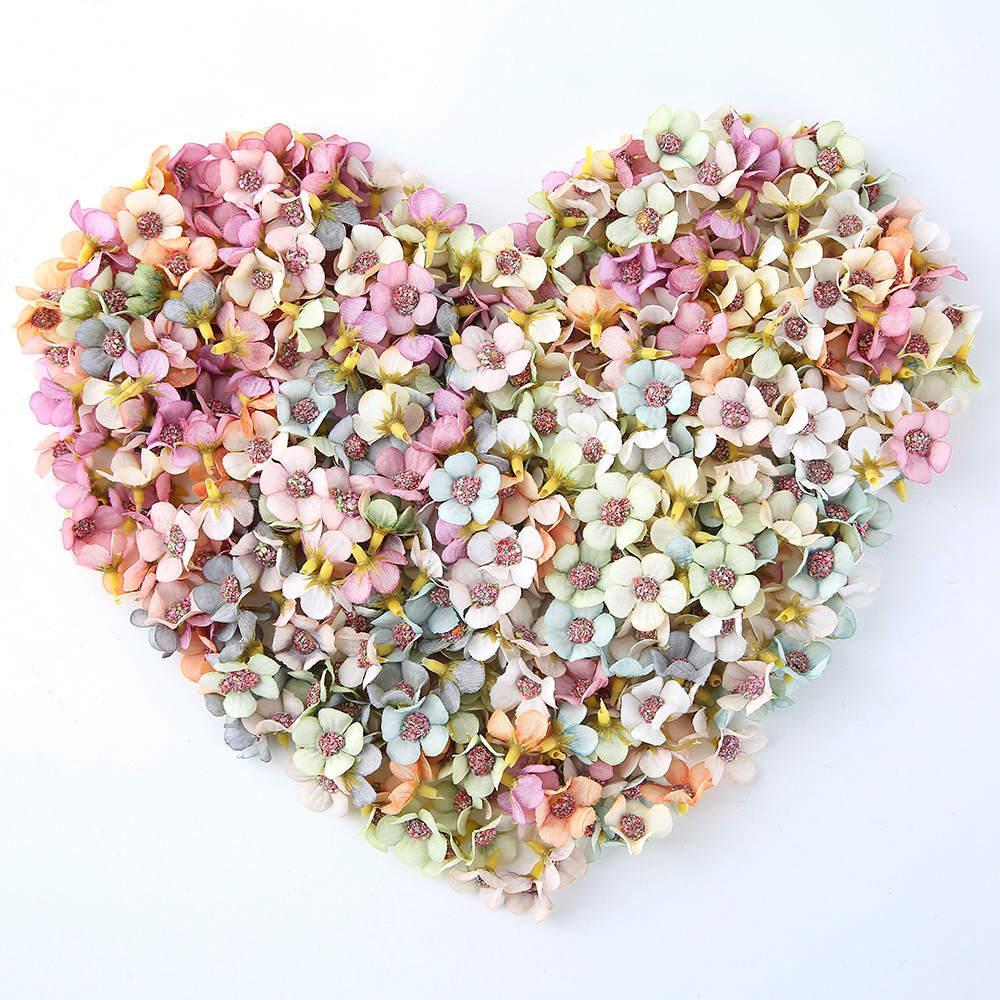50pcs de seda de flores artificiales de mini flor de margarita boda cabeza de la decoración del hogar de la guirnalda DIY artesanías caja de regalo libro de recuerdos