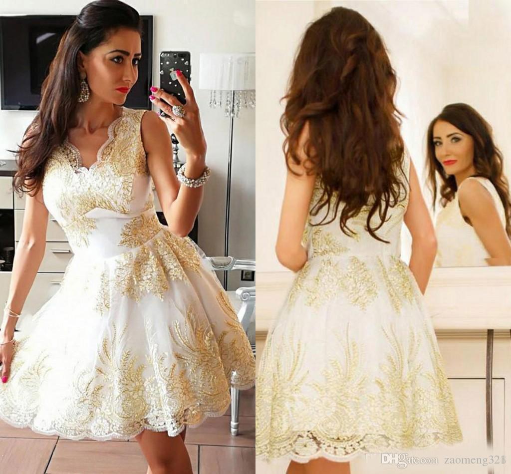 매혹적인 A 라인 V 넥 넥타이 원피스, 골드 아플리케가있는 짧은 레이스 무릎 미니 레이스 드레스, Special Occasion Dresses robe de soiree