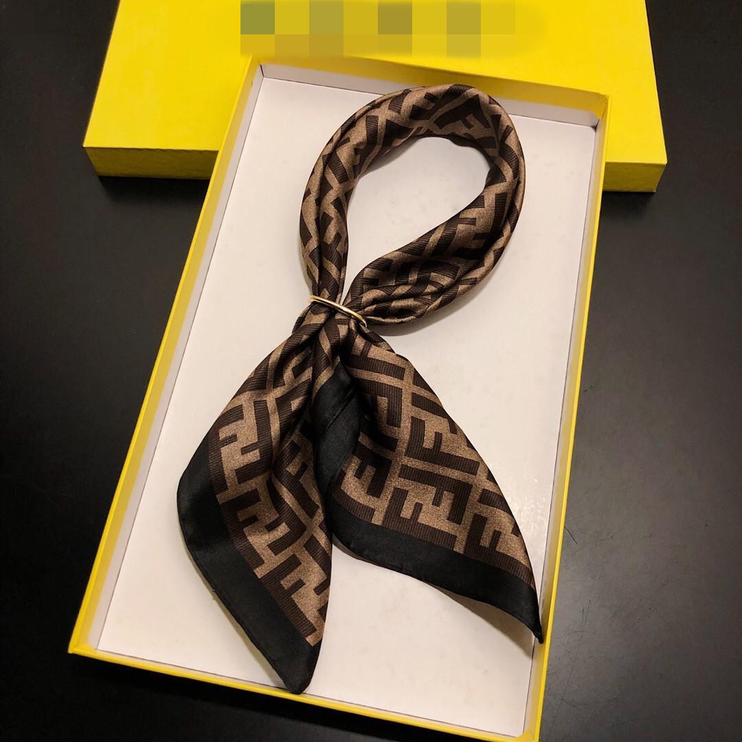 2020 Frauen Schal -Seidegefühls Haar-Tücher Quadrat Marke Büro Printing Hotels Kellner Flight Attendants
