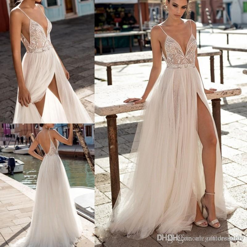 Robes de mariée élégantes simples sur la plage Spaghetti sexy côté fendu Illusion Boho robes de mariée une ligne Perles dos nu robes de mariée bohème