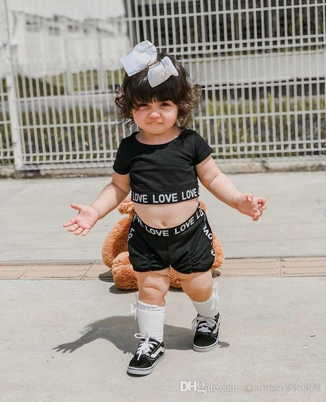 큰 개자리 2PCS 키즈 베이비 여자 옷 사랑 자르기 T 셔츠 탑 + 바지 반바지 여름 의상 블랙 귀여운 패션 세트