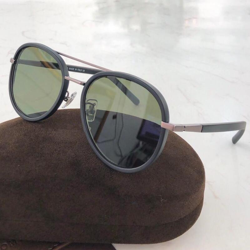 1060 occhiali da sole donne Designer Fashion Square Montatura Lente Protezione UV popolare stile estivo occhiali da sole superiore prossimo con il caso